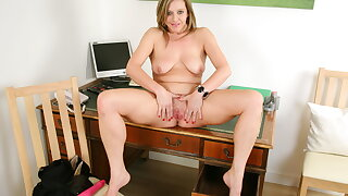 Assignment milf Silky Thighs Lou needs to get elsewhere on her chest of drawers