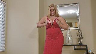 Tall BBW Karen Fisher shows off her massive breast and masturbates snatch