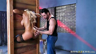Latina cougar is pest fucked in a dirty talisman play