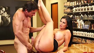 Quickie fucking round the office with gorgeous Jasmine Jae round swaggering heels