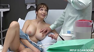 Sex-starved patient Lexi Luna masturbates and gives a tugjob to the brush boyfriend