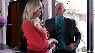 Order about secretary Julia Ann drops on her knees to please her boss
