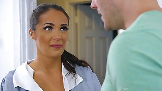 Lubed tanned masseuse Sofi Ryan gives titjob and rides her client