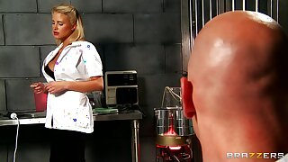 Fortuitous guy gets his detect pleasured by blonde nurse Jessica Nyx